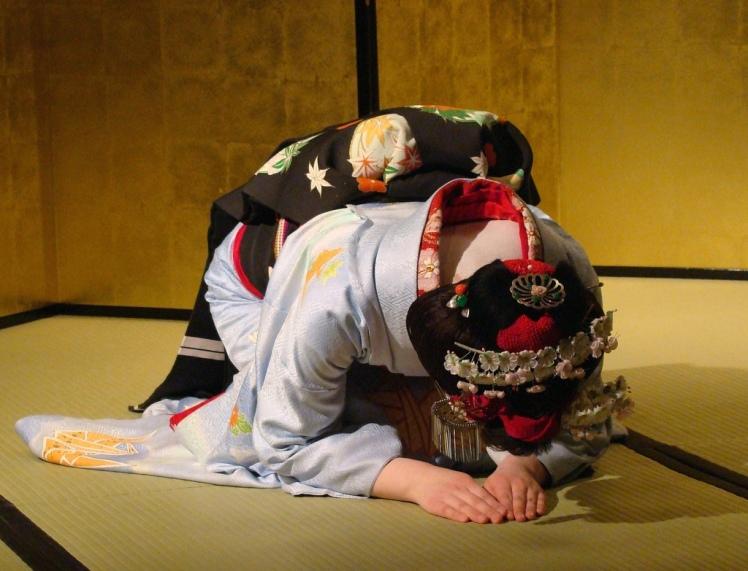 geisha kneel